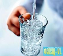 Эксперт из США первым дегустировал воду из нового опреснителя