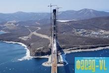 Строители завершили асфальтирование моста на о.Русский