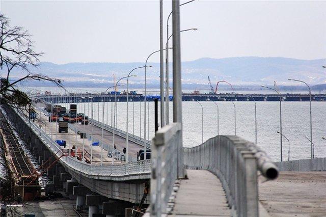 На мосту «Де-Фриз-Седанка» завершают ливневки