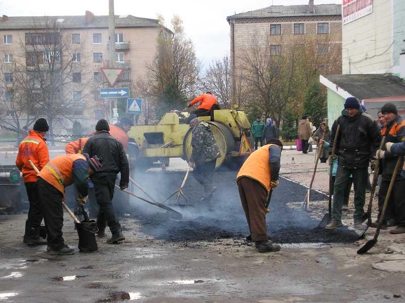 Продолжается ремонт дорог во Владивостоке