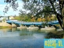 В селе Зеркальное установлен понтонный мост
