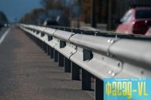 Во Владивостоке монтируют разградительные конструкции на проезжей части