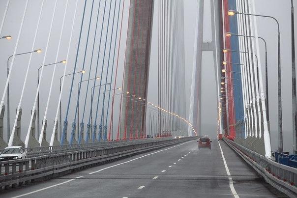 Мост на остров Русский в полном порядке